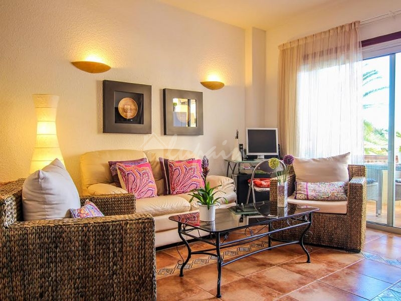 1 Bedroom Apartment In Los Angeles Complex For Sale In Los Cristianos LP11814